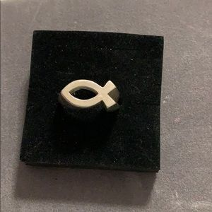 Sterling Silver Retired James Avery Ichthus ring